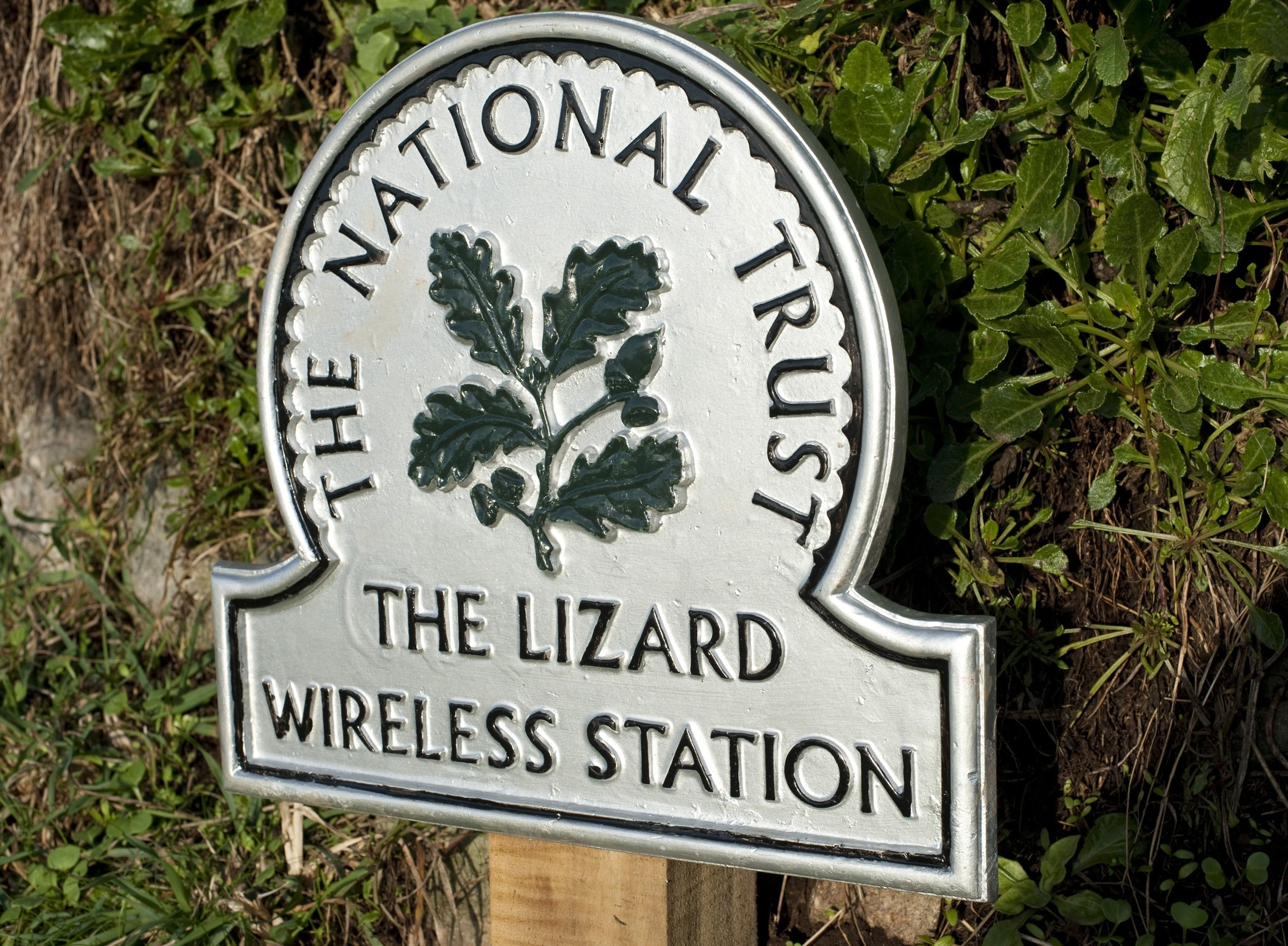 National trust sign marking the historic Lizard Wireless Station