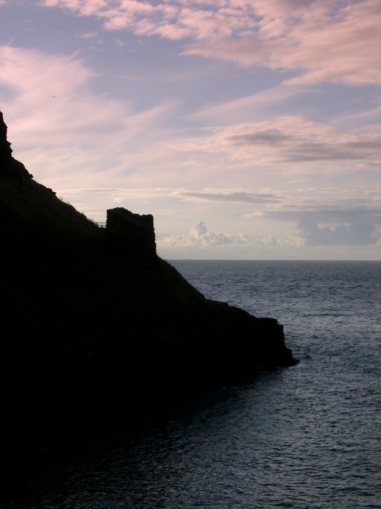 silhouette of the catle runis at tintagel, cornwall