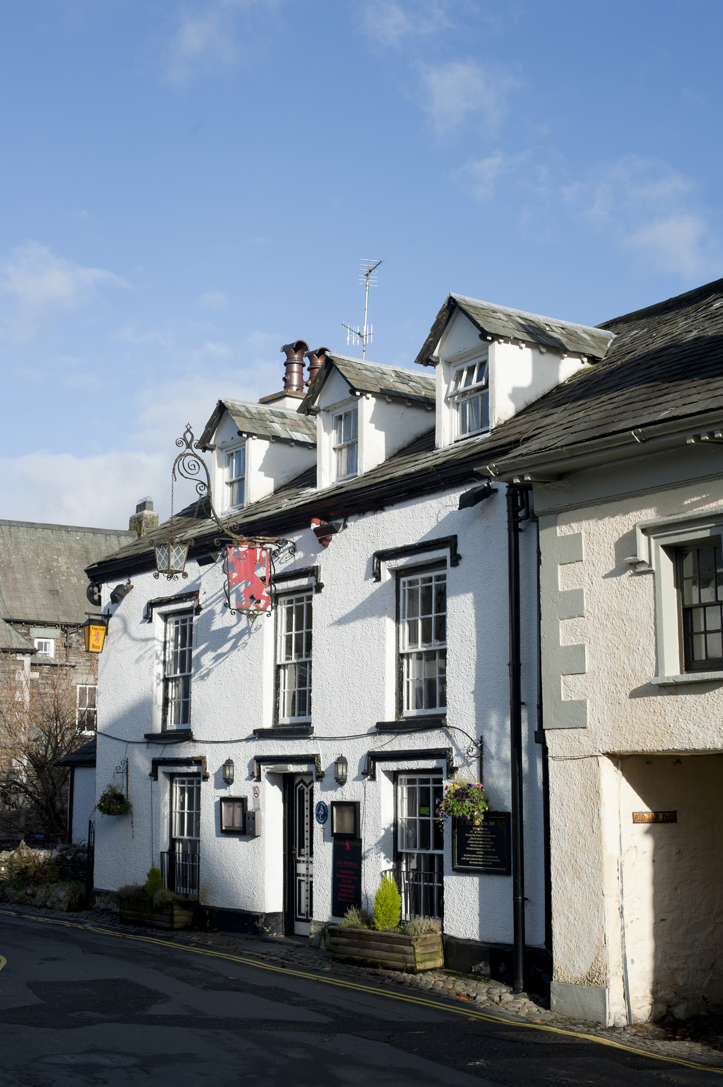 the front of the red lion pub, hawkshead, cumbria