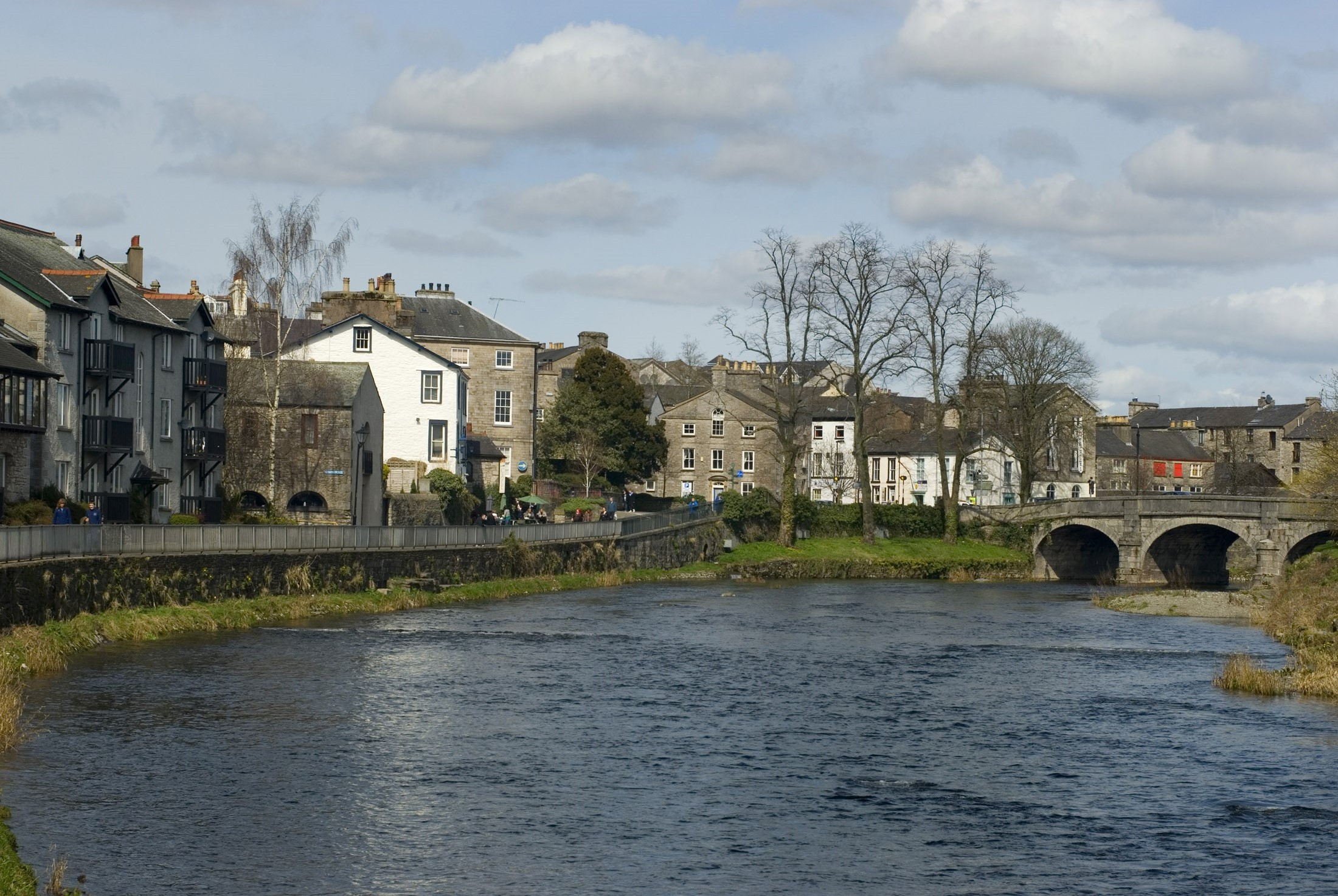 the town of kendal standing on the river kent