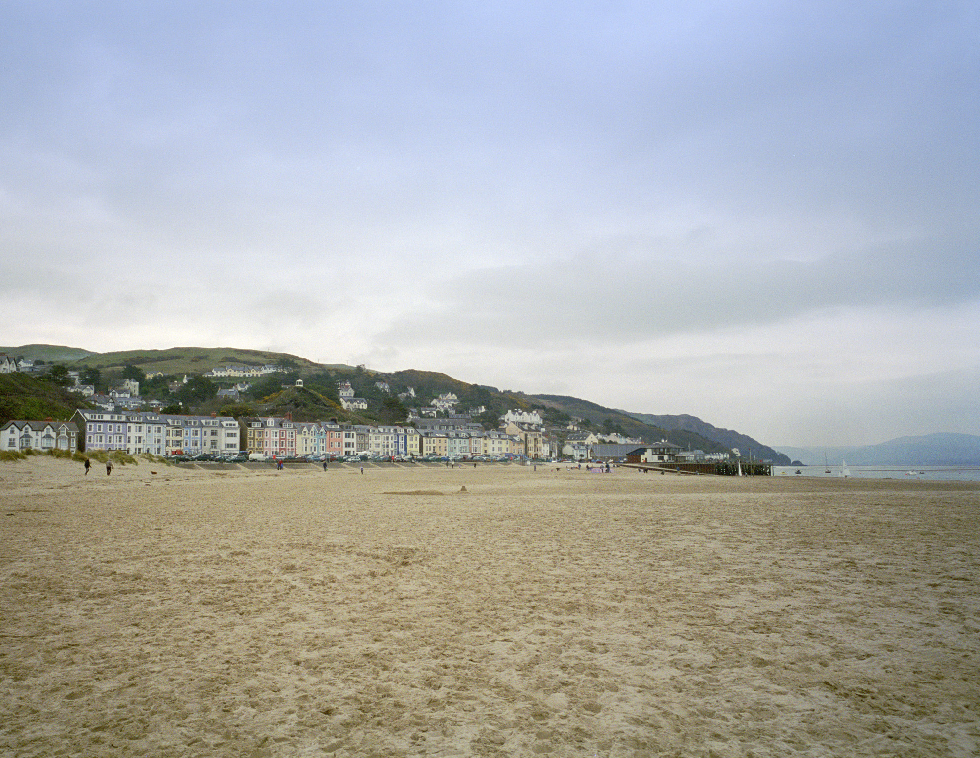 Aberdyfi or Aberdovey beach in the little harbour resort set within the Snowdonia National Park, Wales, UK