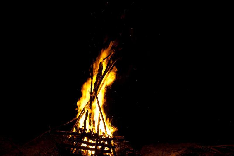 free stock photo of blazing camp fire photoeverywhere