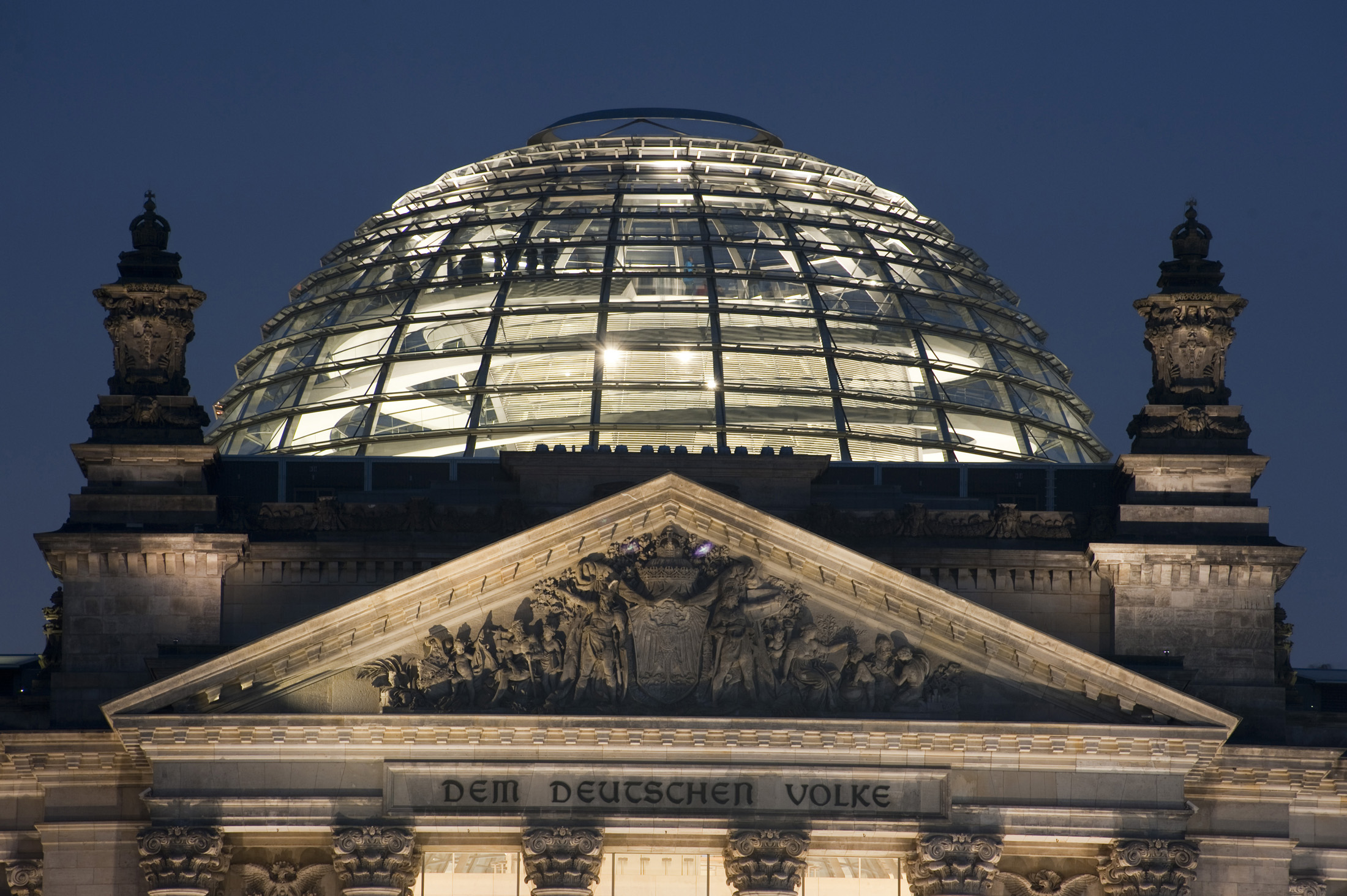 the dome on top of the berlin reichstag at night