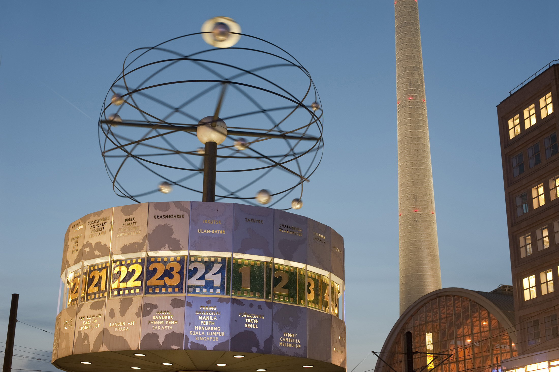 the Weltzeituhr wolrd clock, one of the landmarks in berlins alexanderplatz