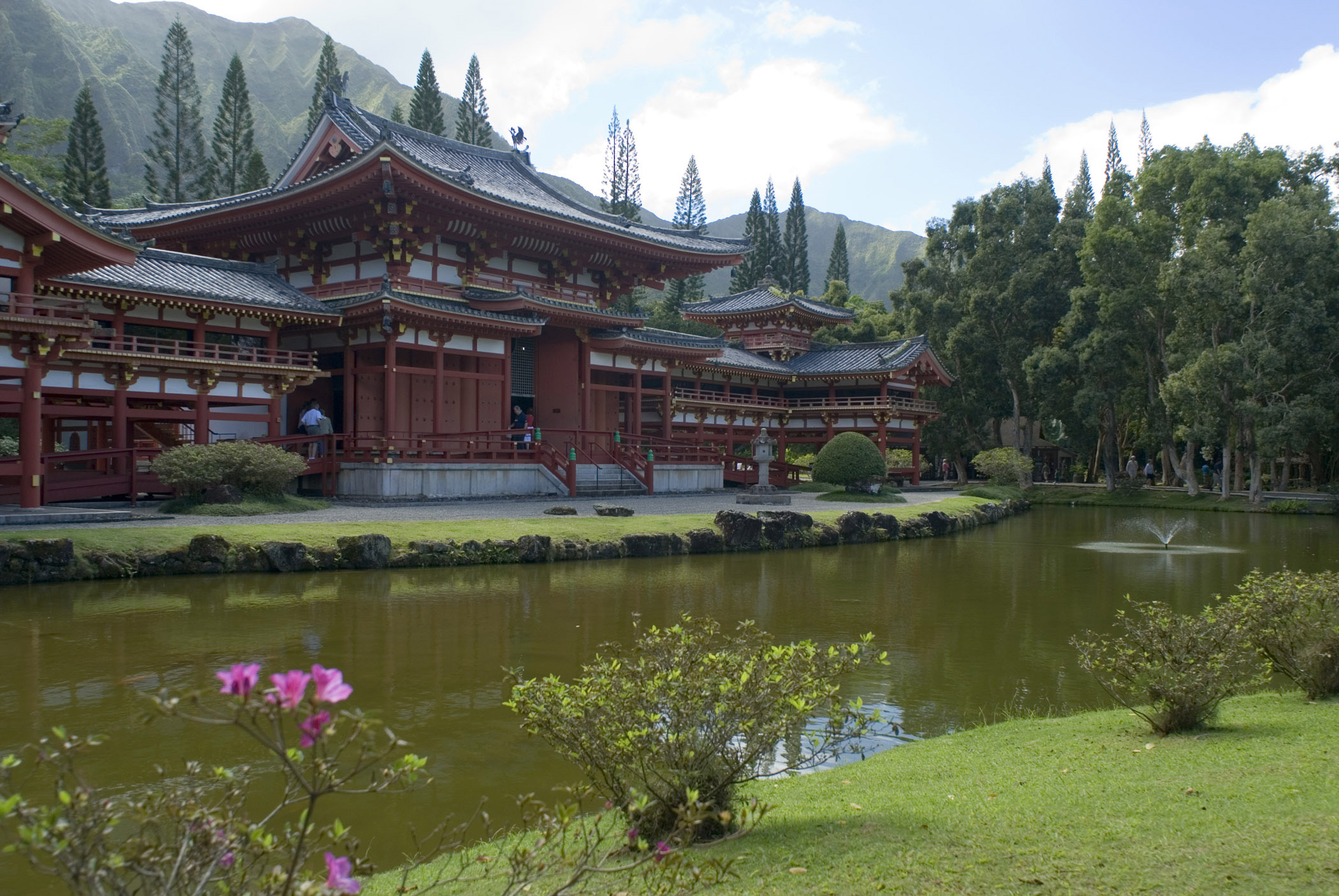 Byodo-In Temple in Valley of the Temples, Oahu, Hawaii
